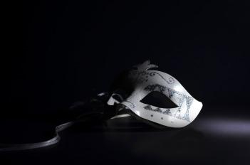 mask-2363966_1920