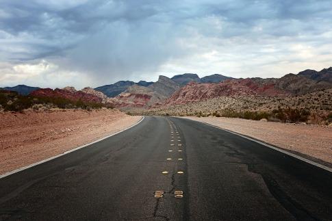 road-3057312_1920