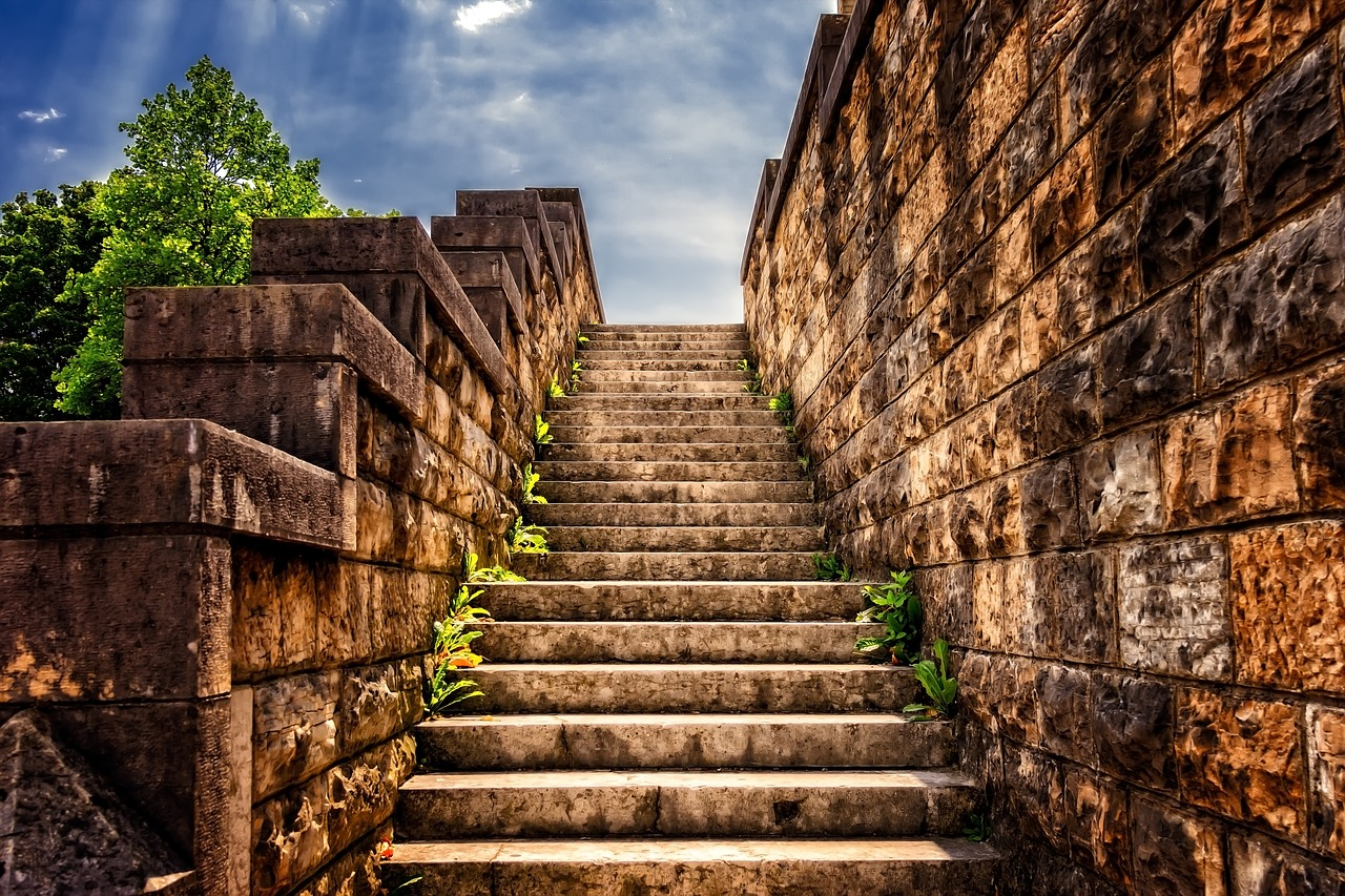 stairs-3614468_1280